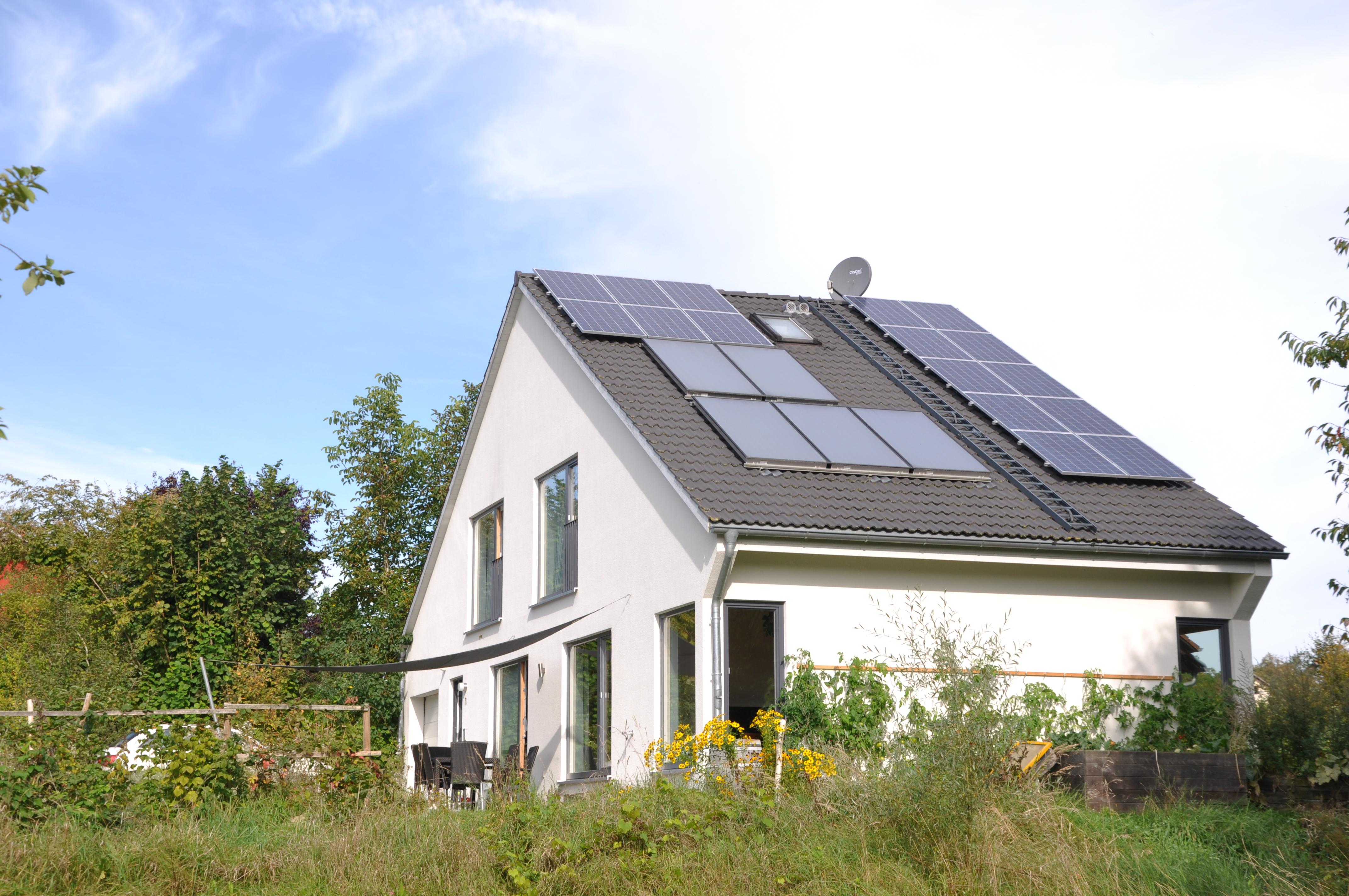^ Photovoltaikanlage ungeWOHNlich.net