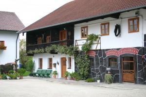 Altes Bauernhaus neu renoviert Außenansicht