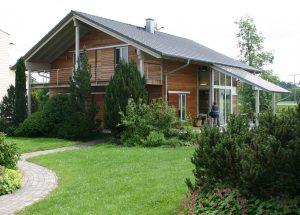 Musterhaus von Holzbau Sonnleitner mit Holzfassade