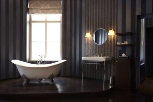 Frei stehende Badewanne im Hotel Altstadt Vienna