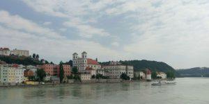 Blick auf die Innseite der Altstadt Passaus
