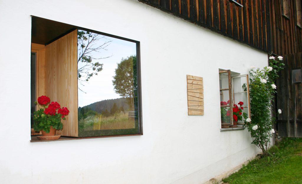 Fassade und Fenster von Haidl-Madl Ferienwohnen