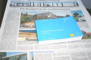 Bestens vorbereitet für die Architektouren 2015: Dank Zeitungsartikel und Projektübersicht habe ich schon ausgesucht, was ich besichtigen werde. Foto: Karin Polz