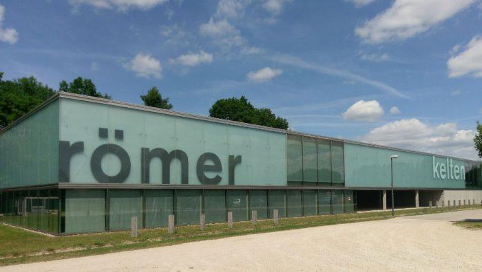 Die Außenansicht des Kelten Römer Museum Manching